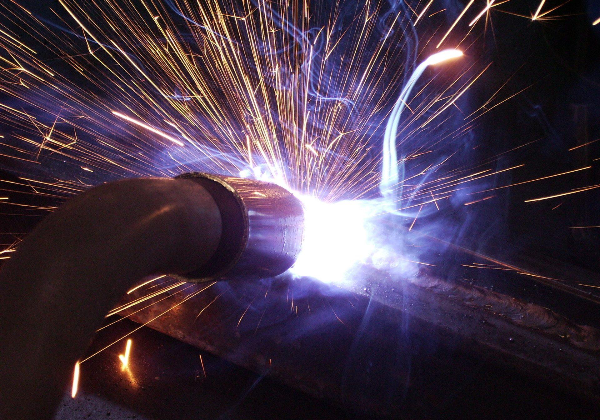 welding-torch-1230055-1920x1440